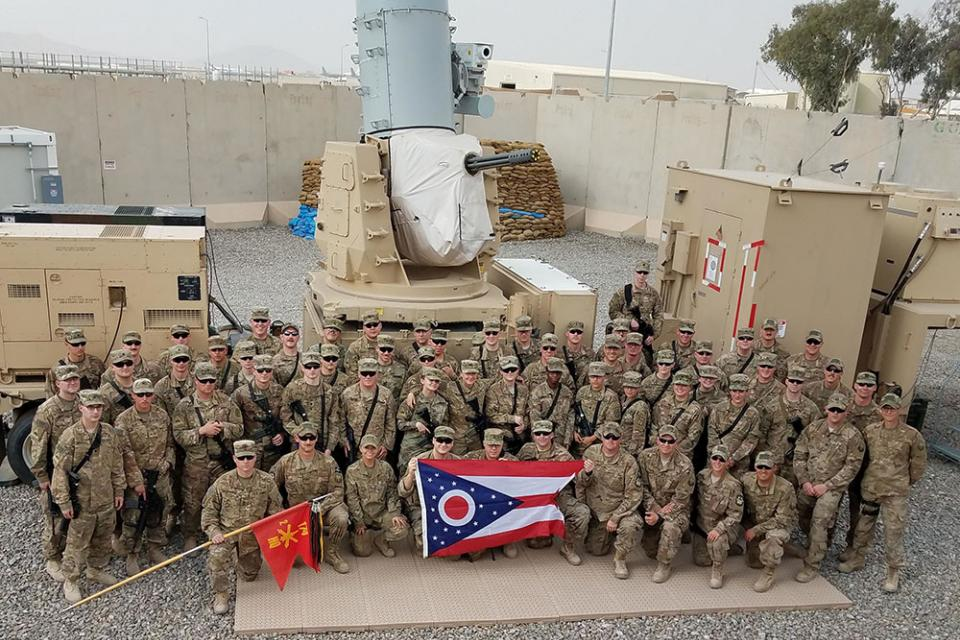 soldiers with Ohio Flag