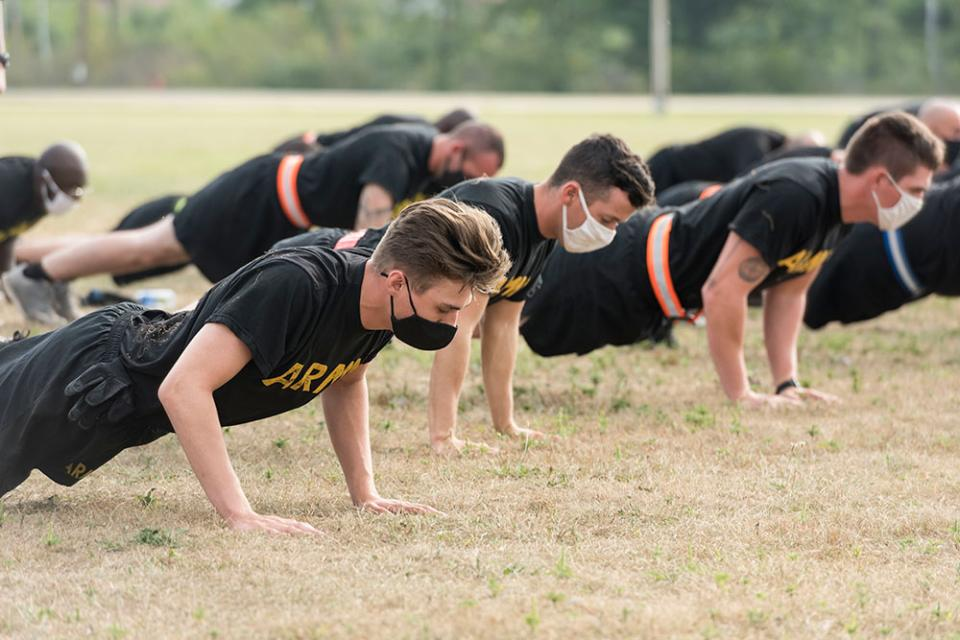 soldiers doing pushups