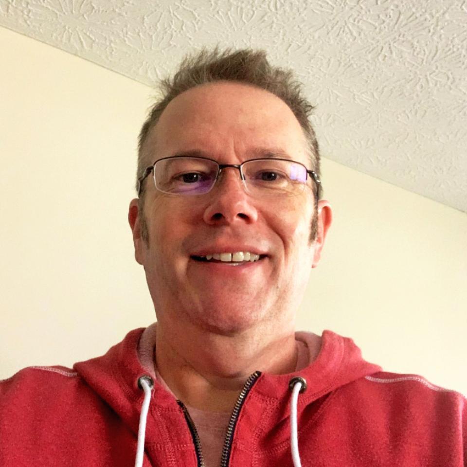 Headshot of Instructor Robert Johnson